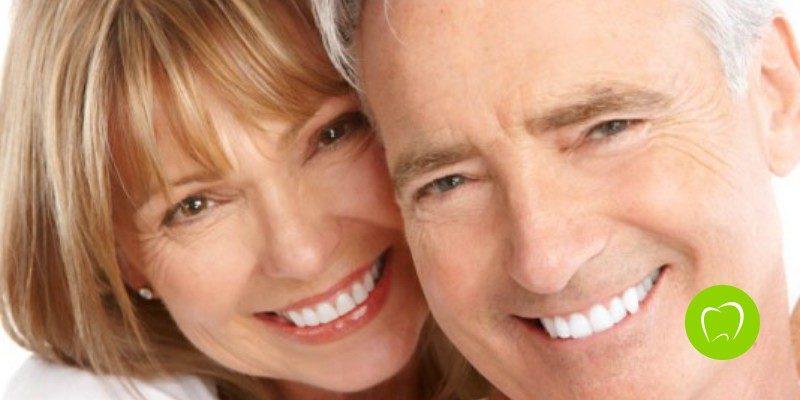 ¿Qué diferencia hay entre un implante dental y una prótesis?